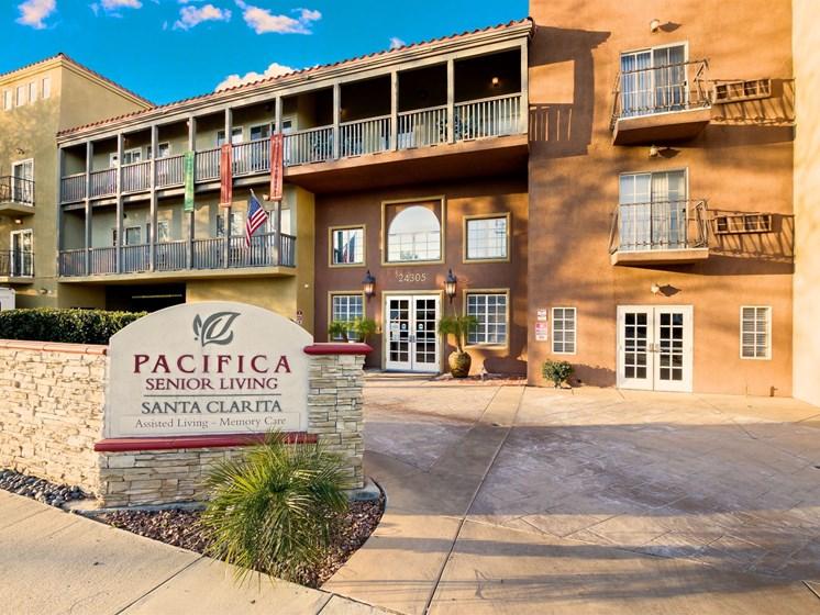 Live a life of comfort at Pacifica Santa Clarita