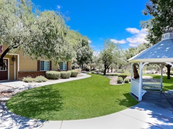 Clean grounds at Pacifica Senior Living Tucson