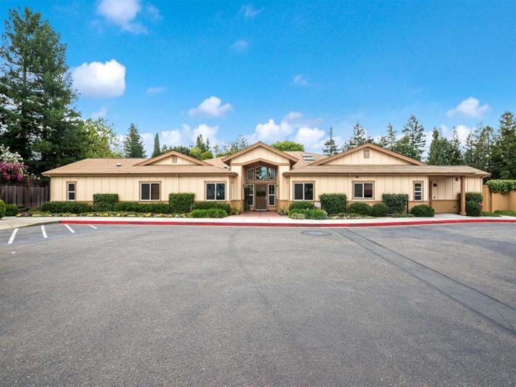 Scheduled transportation at Healdsburg Pacifica Senior Living Center, Sonoma County, alifornia