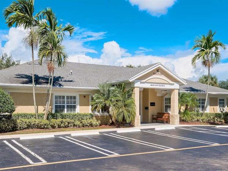 Senior Community with Excellent Care at Pacifica Senior Living Palm Beach