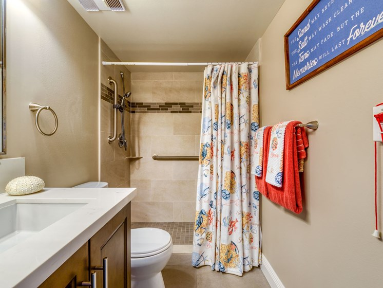 A fully equipped bathroom at Pacifica Sunrise