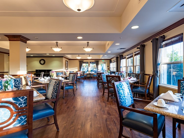 Dining room at Pacifica Senior Living Union City