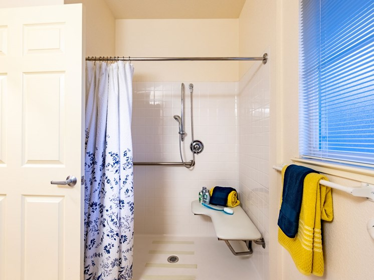 Walk-in shower at Pacifica Senior Living Union City