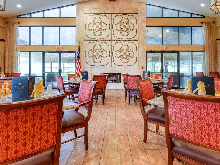 Beautiful view of the Wyndham Lakes dining room.