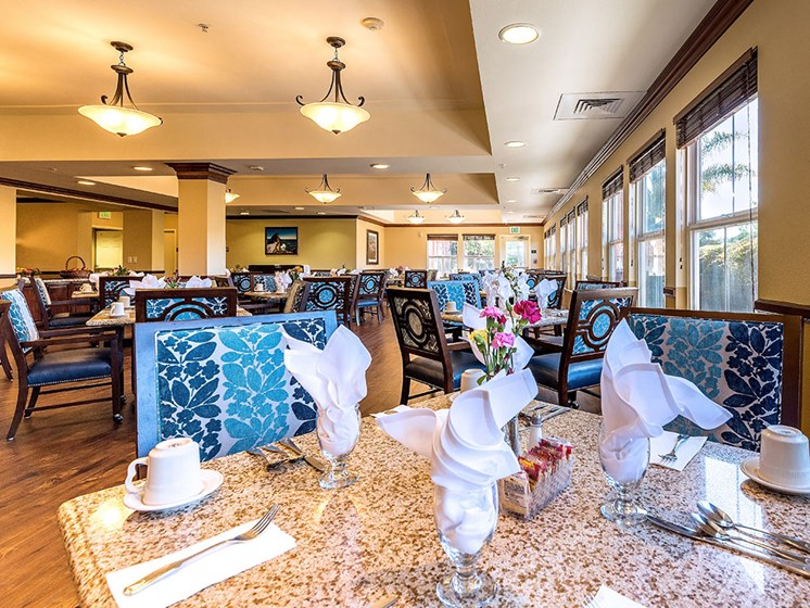 Resident Social Lounge at Pacifica Senior Living Union City, California