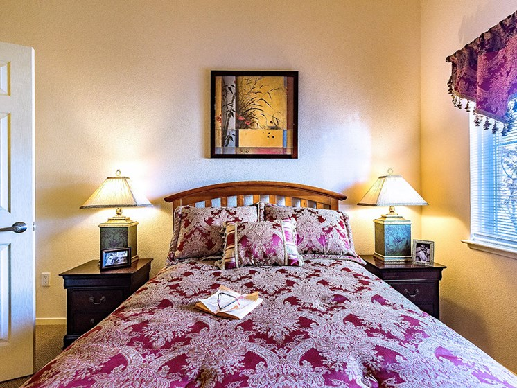 Large Comfortable Bedrooms at Pacifica Senior Living Union City, Union City