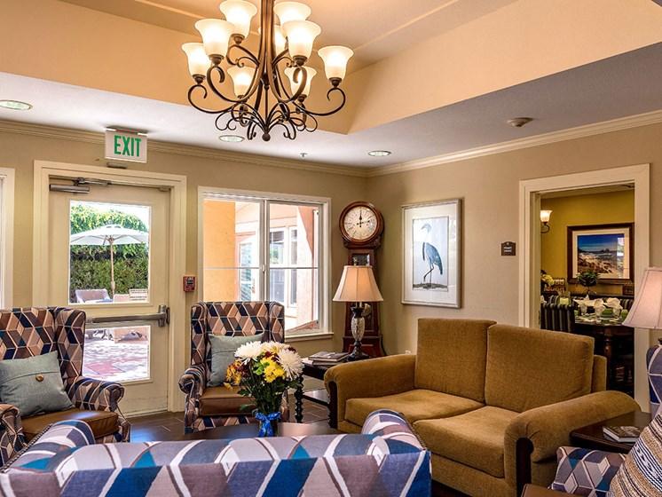 Common Lounge Area at Pacifica Senior Living Union City, Union City, CA, 94587