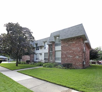 590 E Lewiston 1-2 Beds Apartment for Rent Photo Gallery 1