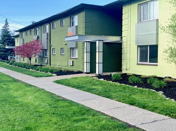 1100 N Adams 1 Bed Apartment for Rent Photo Gallery 1