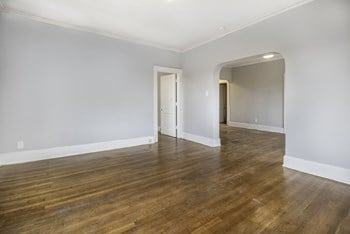 651 W Hancock St Studio Apartment for Rent Photo Gallery 1