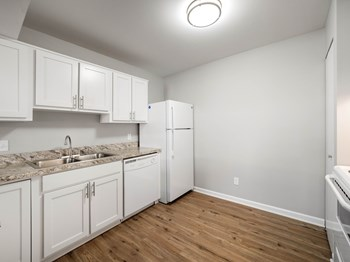 12911 Fenton Heights Blvd 1-2 Beds Apartment for Rent Photo Gallery 1