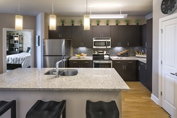 7119 Sand Lake Reserve Drive 1-3 Beds Apartment for Rent Photo Gallery 1