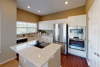 4425 Issaquah Pine Lake Rd SE 3 Beds Apartment for Rent Photo Gallery 1