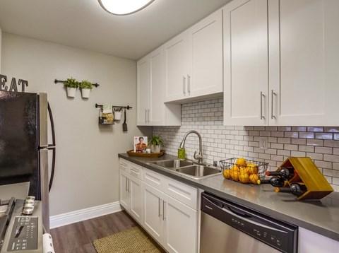 Open Concept Kitchens At Vista Promenade Luxury Apartment Homes in Temecula, CA