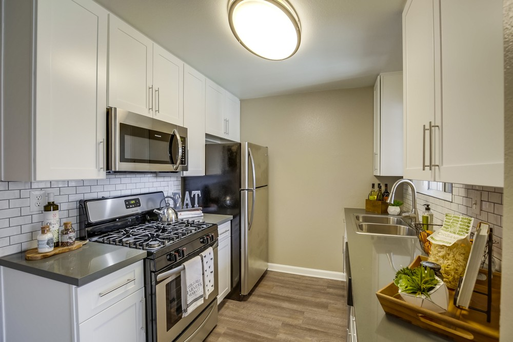 Open Concept Kitchens At Vista Promenade Luxury Apartment Homes in Temecula, CA