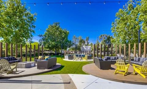 Courtyard At Vista Promenade Luxury Apartment Homes in Temecula, CA