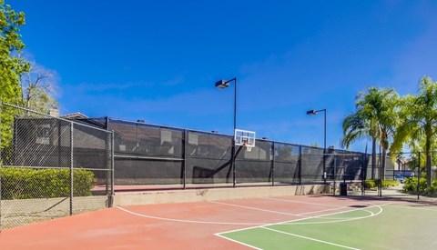 Basketball Court At Vista Promenade Luxury Apartment Homes in Temecula, CA