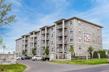 539 Armstrong Road 1-2 Beds Apartment for Rent Photo Gallery 1