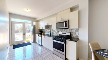 101 Amaya Private 4-7 Beds Apartment for Rent Photo Gallery 1