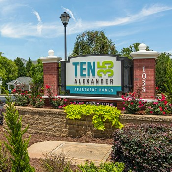 1035 Alexander Drive 1-3 Beds Apartment for Rent Photo Gallery 1