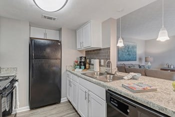 2800 University Boulevard S. 1-2 Beds Apartment for Rent Photo Gallery 1