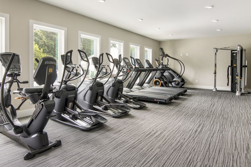 Fully-equipped resident fitness center at Forest Ridge apartments for rent in Macon, GA