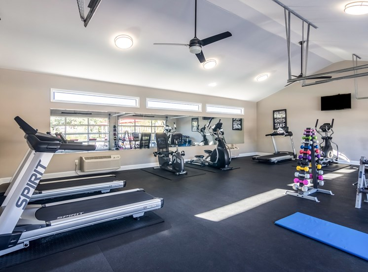 Fitness center at Forest Pointe Apartments