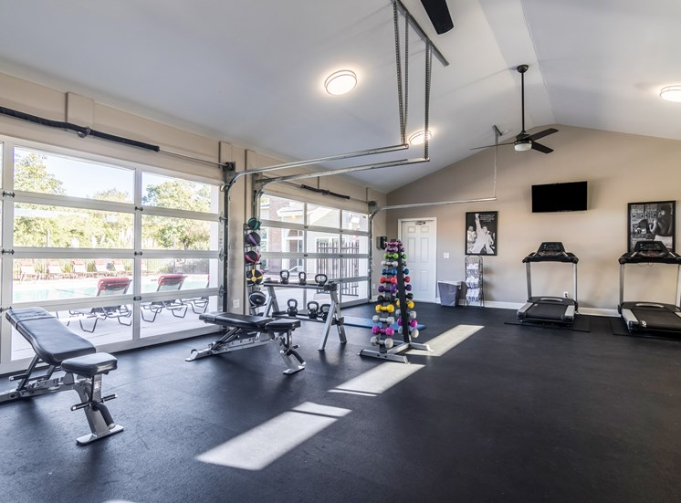 Forest Pointe poolside fitness center