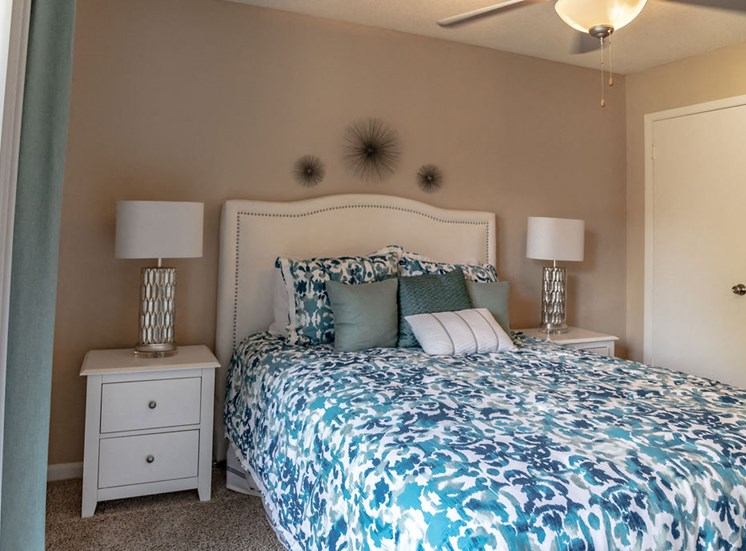 Bedroom in Forest Pointe apartment