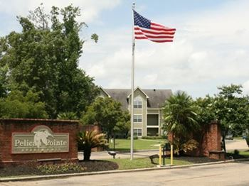 3400 Pelican Pointe Drive 1-3 Beds Apartment for Rent Photo Gallery 1