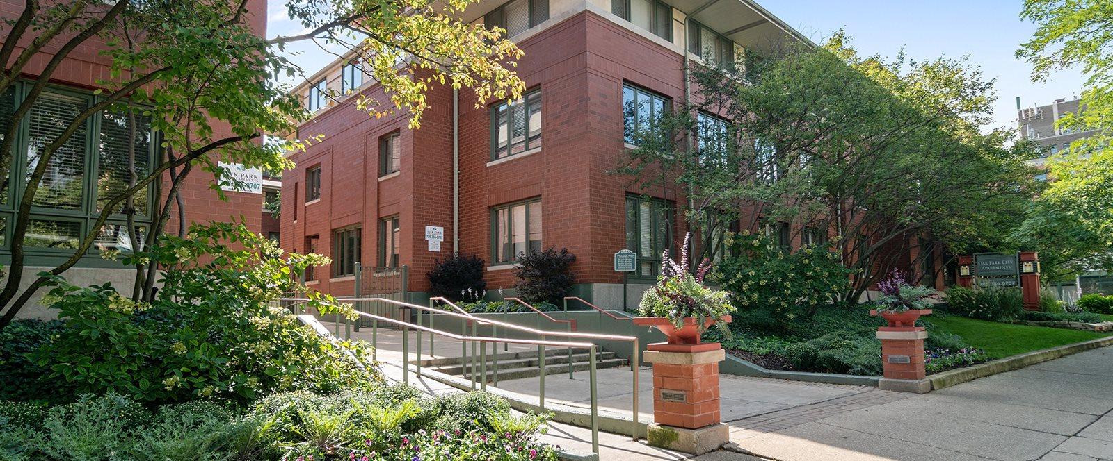 Oak Park City Apartment Building