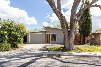 675 Barto Street 3 Beds House for Rent Photo Gallery 1