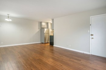 825 Oak Leaf Circle 1-2 Beds Apartment for Rent Photo Gallery 1