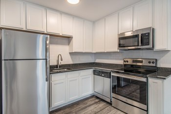 3095 Greendale Road 2 Beds Apartment for Rent Photo Gallery 1