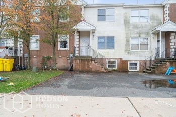 106 Elmhurst Blvd Unit 1 5 Beds House for Rent Photo Gallery 1