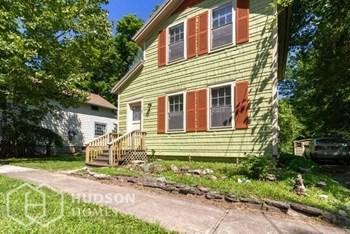 107 Warren Street 1 Bed House for Rent Photo Gallery 1