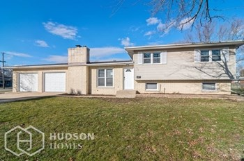 110 W Grant St 4 Beds House for Rent Photo Gallery 1