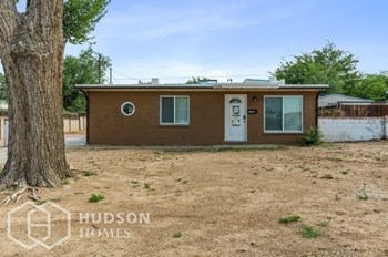 1126 LUTHY CIR N E 2 Beds House for Rent Photo Gallery 1
