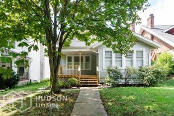 116 Noble Ave 3 Beds House for Rent Photo Gallery 1