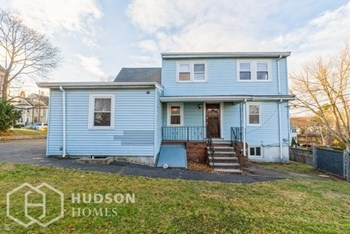 11 ERNEST AVE 5 Beds House for Rent Photo Gallery 1