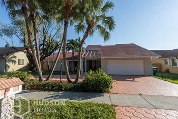 12210 Sw 94 St 4 Beds House for Rent Photo Gallery 1