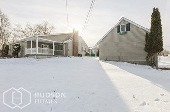 124 Seneca Drive 4 Beds House for Rent Photo Gallery 1