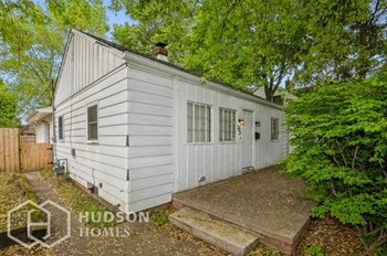 1255 E COLFAX 3 Beds House for Rent Photo Gallery 1