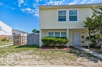 12 Lerner Ct 3 Beds House for Rent Photo Gallery 1