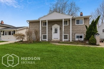 15775 HOLLAND RD 4 Beds House for Rent Photo Gallery 1