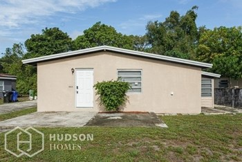 1613 Nw 15Th Ave 3 Beds House for Rent Photo Gallery 1