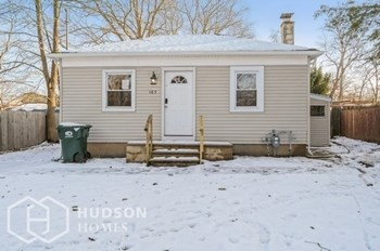 165 W 6Th Street 2 Beds House for Rent Photo Gallery 1