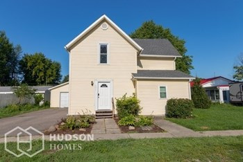 166 S CHESTNUT ST 3 Beds House for Rent Photo Gallery 1