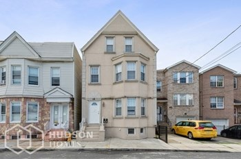 16 Dassing Ave Unit 1 2 Beds House for Rent Photo Gallery 1