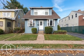 180 VICTORIA ROAD 3 Beds House for Rent Photo Gallery 1